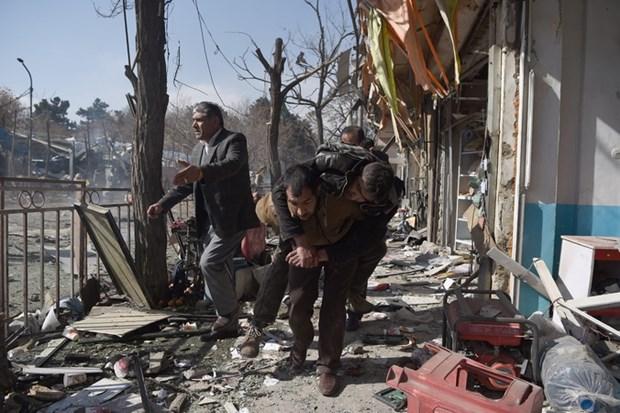 Gan 340 nguoi bi thuong vong vu khung bo dam mau tai Kabul hinh anh 1