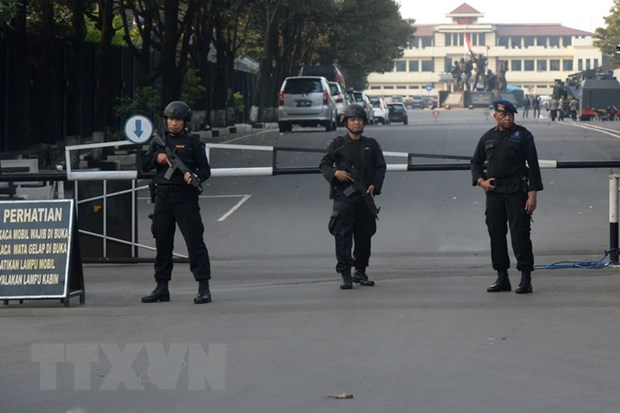 Canh sat Indonesia pha vo am muu danh bom tai mot truong dai hoc hinh anh 1