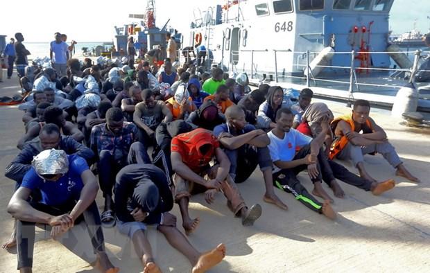 Hai quan Libya cuu hon 700 nguoi di cu tren Dia Trung Hai hinh anh 1