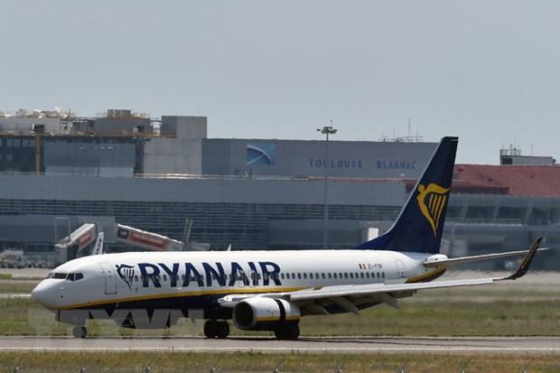 Hang Ryanair huy hang tram chuyen bay do dinh cong tai Duc hinh anh 1