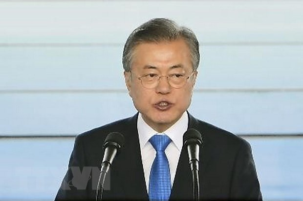 Ty le ung ho ong Moon Jae-in giam muc thap ky luc tu khi nhap chuc hinh anh 1