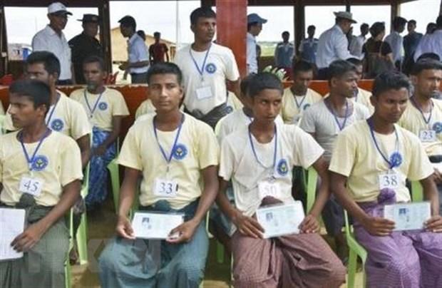 Bangladesh gay suc ep voi Myanmar ve hoi huong nguoi Rohingya hinh anh 1