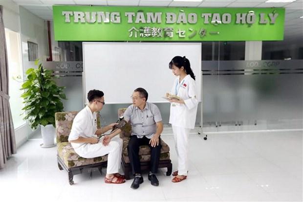 Nguoi dan Nhat Ban chap nhan mo cua thi truong lao dong tay nghe cao hinh anh 1