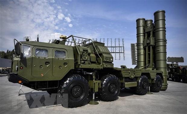 Reuters: Nga trien khai he thong ten lua S-400 tai Crimea hinh anh 1