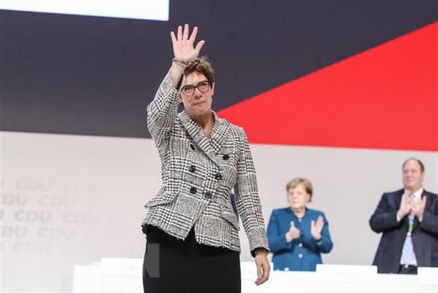 Chu tich CDU Kramp-Karrenbauer - tiep noi de vuot qua khung hoang hinh anh 1