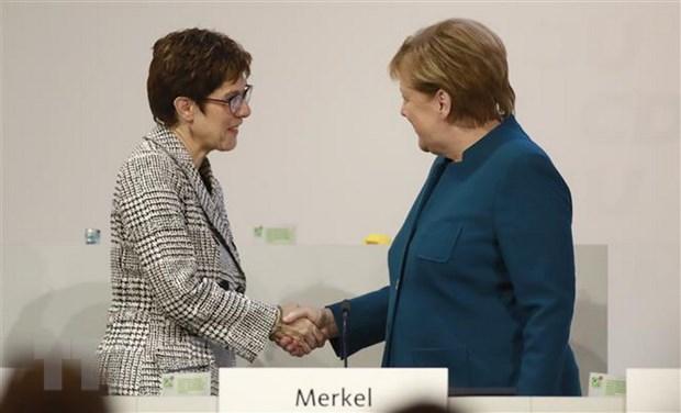 Chu tich CDU Kramp-Karrenbauer - tiep noi de vuot qua khung hoang hinh anh 2