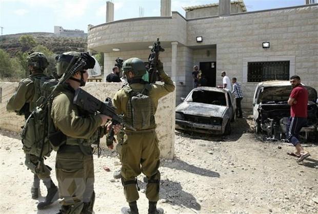 Binh sy Israel no sung lam chet 2 nguoi Palestine vua gay ra vu dam xe hinh anh 1