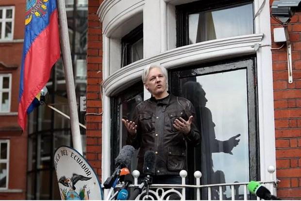 Phan ung lien quan vu bat giu nha sang lap WikiLeaks Julian Assange hinh anh 1