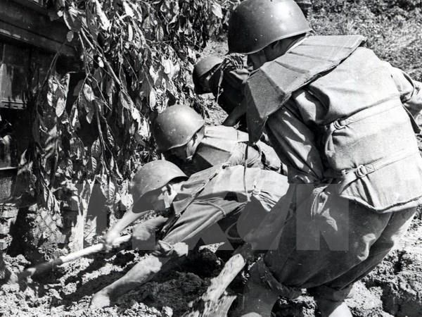 Duong Truong Son-Ho Chi Minh: Bieu tuong cua y chi thong nhat To quoc hinh anh 1