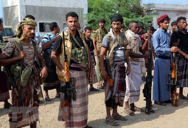 Phien quan Houthi bat dau rut khoi cac cang chu chot cua Yemen hinh anh 1