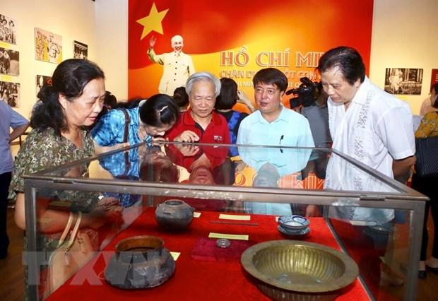 """Khai mac trung bay ve """"Ho Chi Minh-Chan dung mot con nguoi"""" hinh anh 4"""