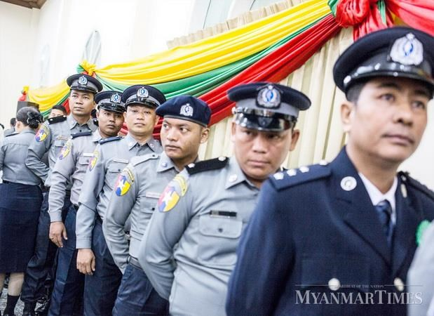 Myanmar bat giu canh sat danh trao ma tuy tri gia gan 1 trieu USD hinh anh 1