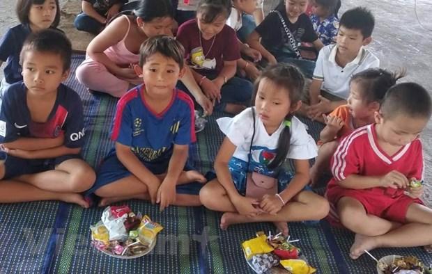 Tet Trung Thu dam am cua tre em Viet kieu tai tinh Preah Sihanouk hinh anh 4
