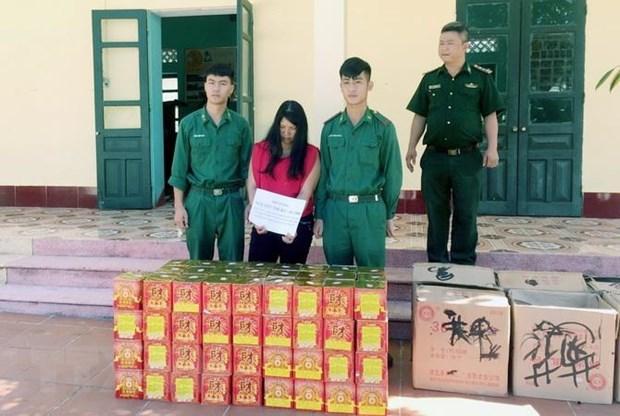 Quang Ninh: Bat giu vu van chuyen trai phep phao qua bien gioi hinh anh 1