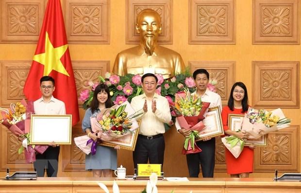TTXVN: Ban Bien tap tin Kinh te nhan Bang khen cua Thu tuong hinh anh 1