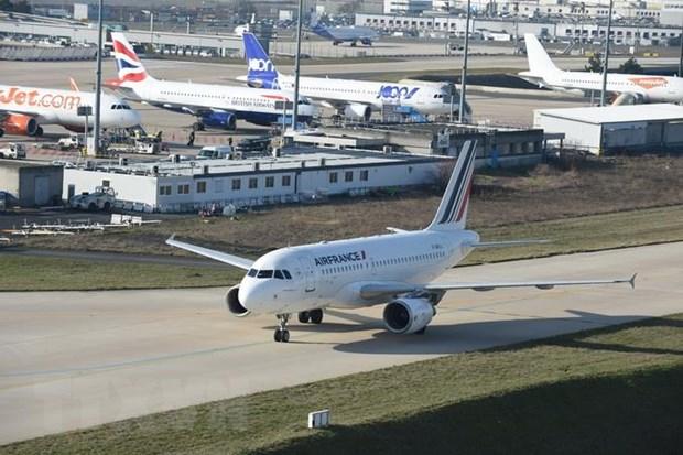 Phap: Hang hang khong Air France no luc bao ve moi truong hinh anh 1