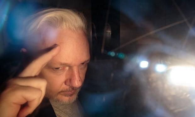 Nha sang lap WikiLeaks co mat o toa xem xet yeu cau dan do sang My hinh anh 1