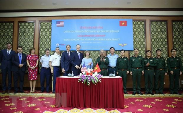 Thuong tuong Nguyen Chi Vinh lam viec voi Pho Tong Giam doc USAID hinh anh 6