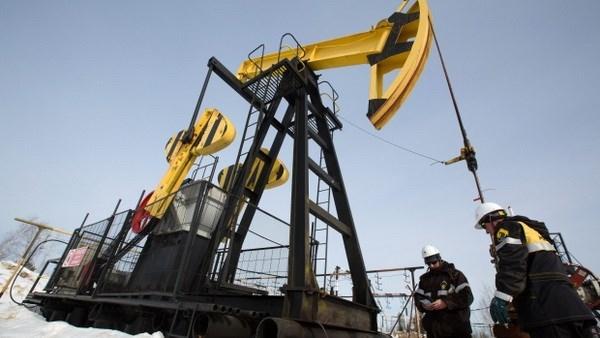 Sản lượng dầu của Nga tháng 11 cao hơn mức cam kết với OPEC+