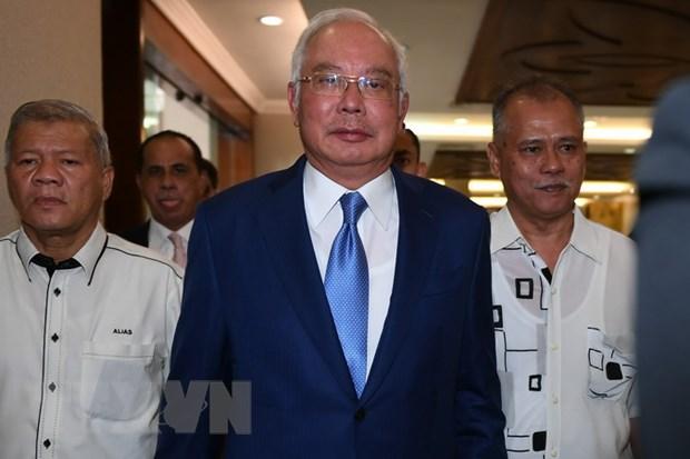 Cuu Thu tuong dau tien cua Malaysia Najib Razak phai hau toa hinh anh 1