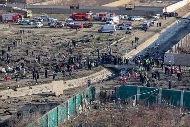 Hiện trường máy bay Boeing 737-800 của hãng Hàng không quốc tế Ukraine rơi ở vùng Tây Nam thủ đô Tehran của Iran ngày 8-1. Ảnh: IRNA/TTXVN