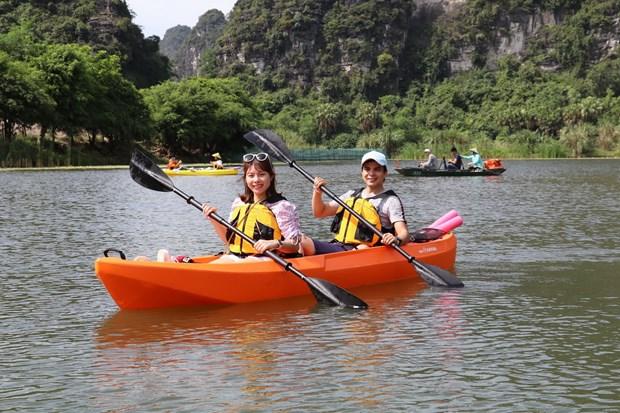 Ve Khu du lich sinh thai Trang An trai nghiem cheo thuyen kayak hinh anh 1