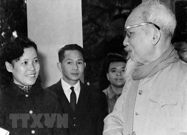 Ho Chi Minh - nguoi sang lap, nha bao vi dai cua bao chi Cach mang VN hinh anh 1