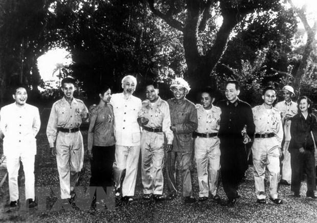 Ho Chi Minh - nguoi sang lap, nha bao vi dai cua bao chi Cach mang VN hinh anh 3