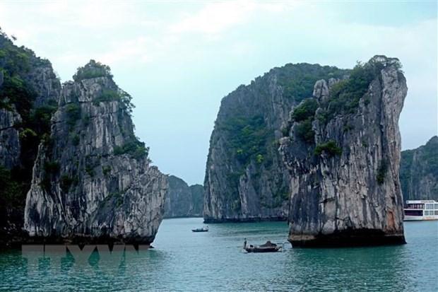 Vịnh Hạ Long. (Ảnh: Huy Hùng/TTXVN)