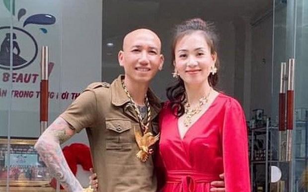 Cong an Ha Noi bat vo chong