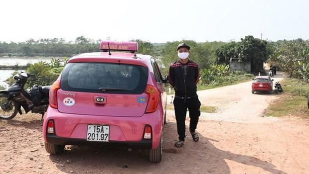 Hai Phong phat hien 2 xe oto cho 5 nguoi tron chot kiem soat dich hinh anh 1