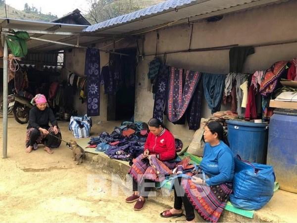 Hoa Binh: Ban Pa Co thu hut khach du lich voi 4 mua trong ngay hinh anh 2