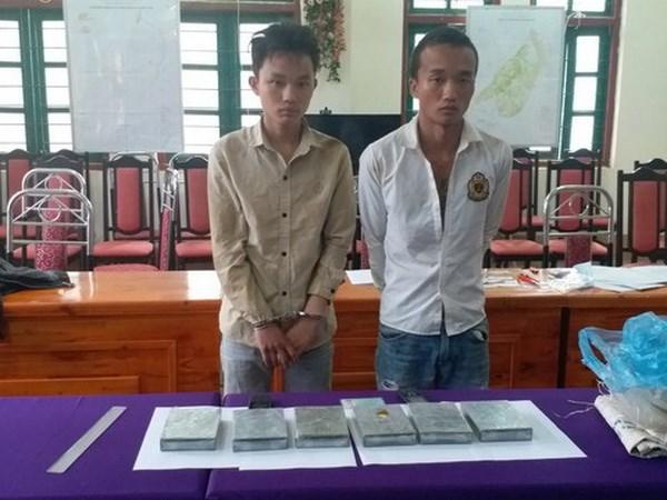 Lao Cai: Bat doi tuong van chuyen 6 banh heroin da co lenh truy na hinh anh 1