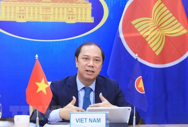 ASEAN-Trung Quoc: Khang dinh cam ket giai quyet cac van de cap bach hinh anh 1