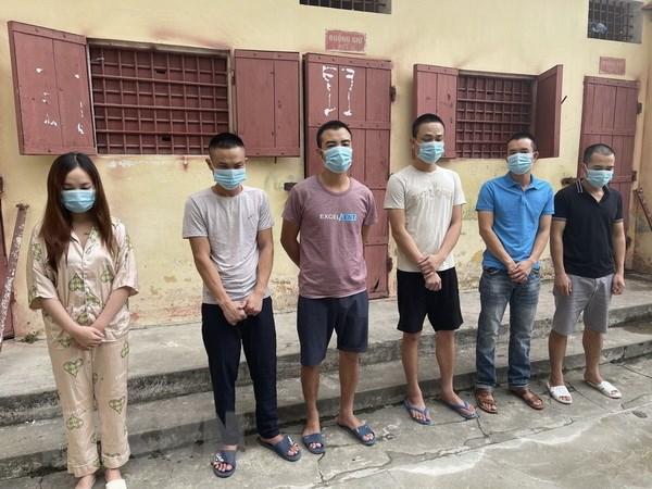 Thanh Hoa: Phat hien 9 doi tuong su dung ma tuy trong quan karaoke hinh anh 1