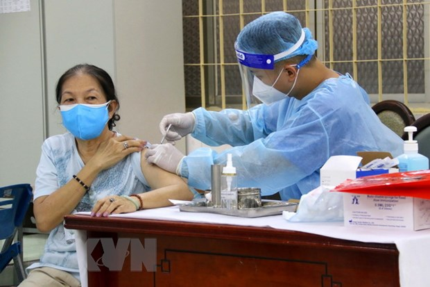 TP.HCM kien nghi phan bo 5,5 trieu lieu vaccine de dat ke hoach tiem hinh anh 1