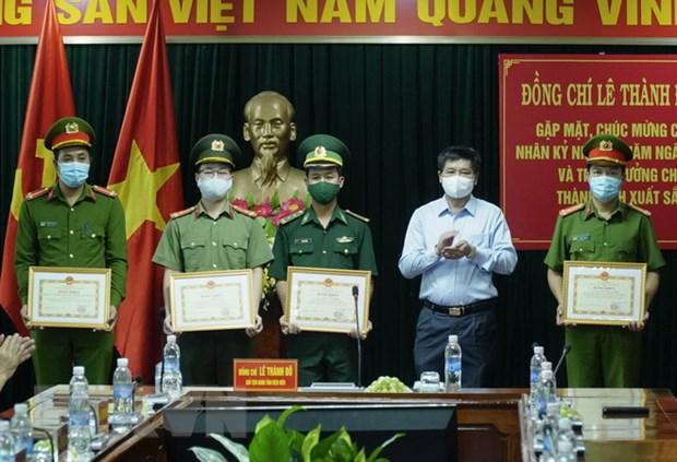 Dien Bien: Khen thuong luc luong pha chuyen an 98 banh heroin hinh anh 1