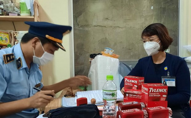 Lam Dong: Xu phat chu cua hang thuc pham rao ban kit test nhanh hinh anh 1