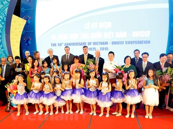 UNICEF cam ket se sat canh voi Viet Nam thuc hien quyen tre em hinh anh 1