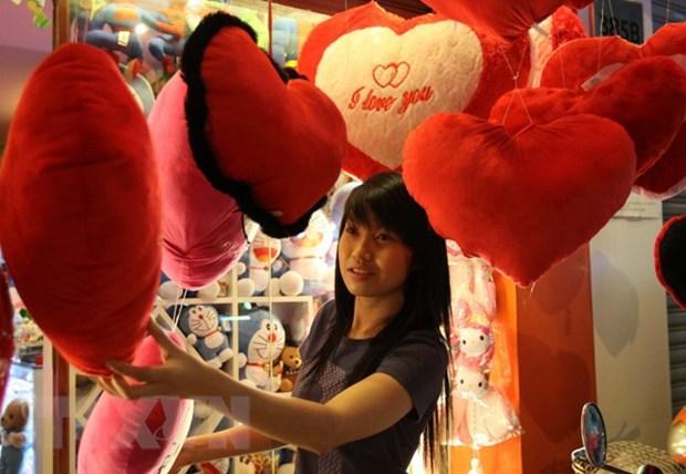 "Tang gi, choi dau dip Valentine ""nong"" len tung ngay tren mang xa hoi hinh anh 1"