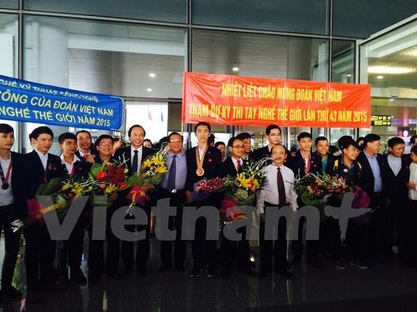 Doan Viet Nam tham du Ky thi Tay nghe the gioi voi 13 thi sinh hinh anh 1