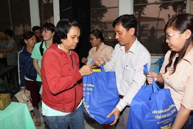 Hon 1.000 cong nhan tham gia 'phien cho nghia' tinh dau tien nam 2019 hinh anh 1