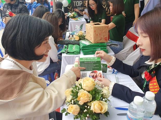 Ha Noi: Gioi thieu khoang 3.500 co hoi viec lam cho sinh vien hinh anh 2