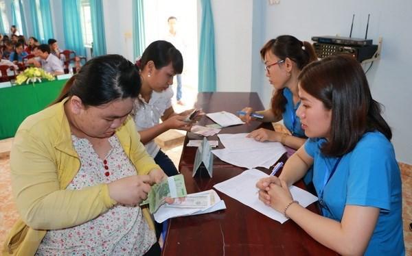 Bo Lao dong huong dan tra luong cho nguoi bi ngung viec do COVID-19 hinh anh 1