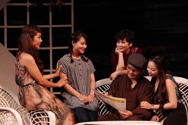 "Nghe sy Minh Hang tro lai cung ""Nha co ba chi em gai"" hinh anh 1"