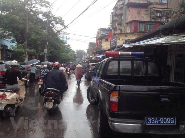 [Photo] Hien truong vu khong che con tin tai khu tap the Thanh Xuan hinh anh 4