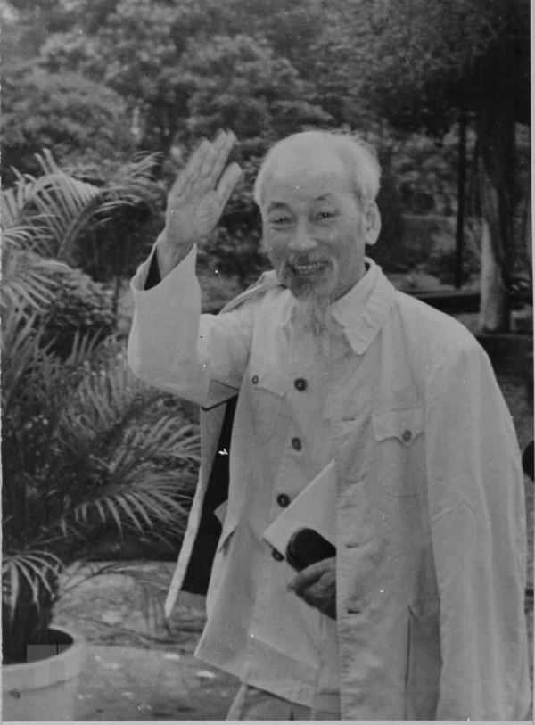 Chu tich Ho Chi Minh voi mua Xuan xay dung Dang Cong san Viet Nam hinh anh 2