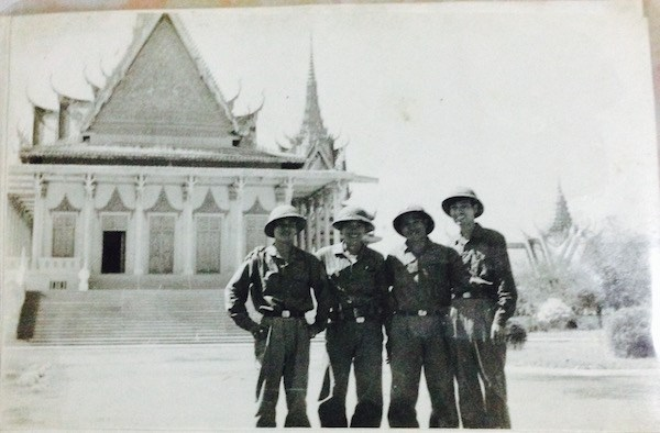 "Duong vao Phnom Penh: ""Ben kia song sung van no... cham lai la chet!"" hinh anh 4"