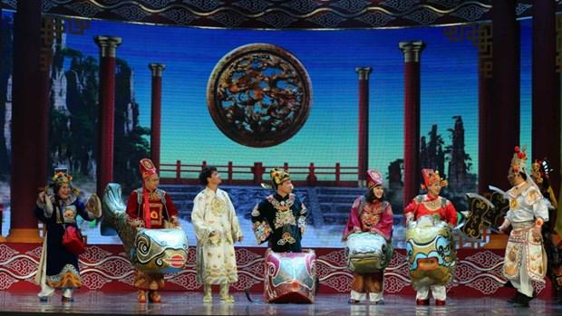 Trang phuc la mat cua 'co' Dau va cac Tao trong Tao quan 2018 hinh anh 7