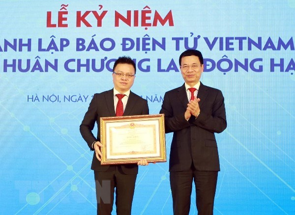 VietnamPlus don Huan chuong Lao dong hang Nhi, ra mat san pham chatbot hinh anh 6